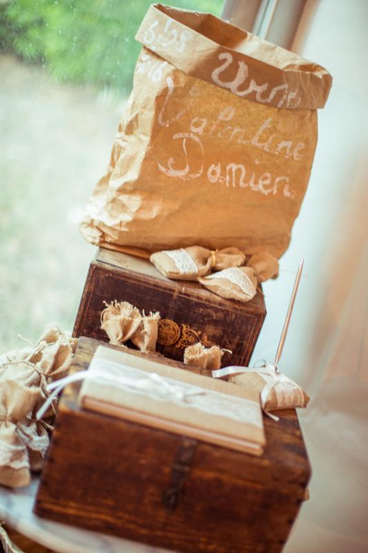 idee; mariage; urne; livre; d'or; original; sac papier; photographe; var;