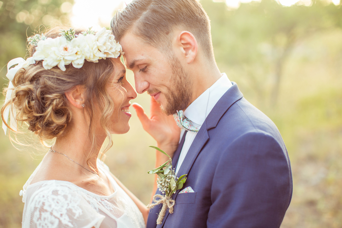 Photographe domaine des bruguieres mariage var provence boheme champetre hippie nature